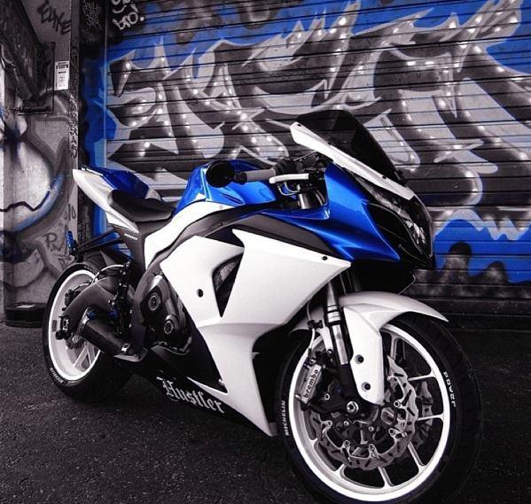 N on Motos Suzuki